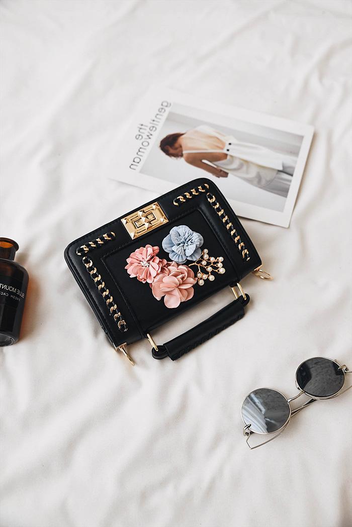 Shoulder Bag Apply Flowers