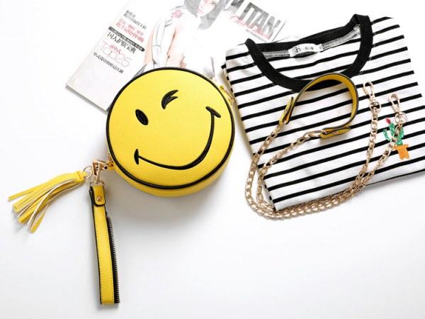Bolsa Divertida Clutch Emoji Sorriso