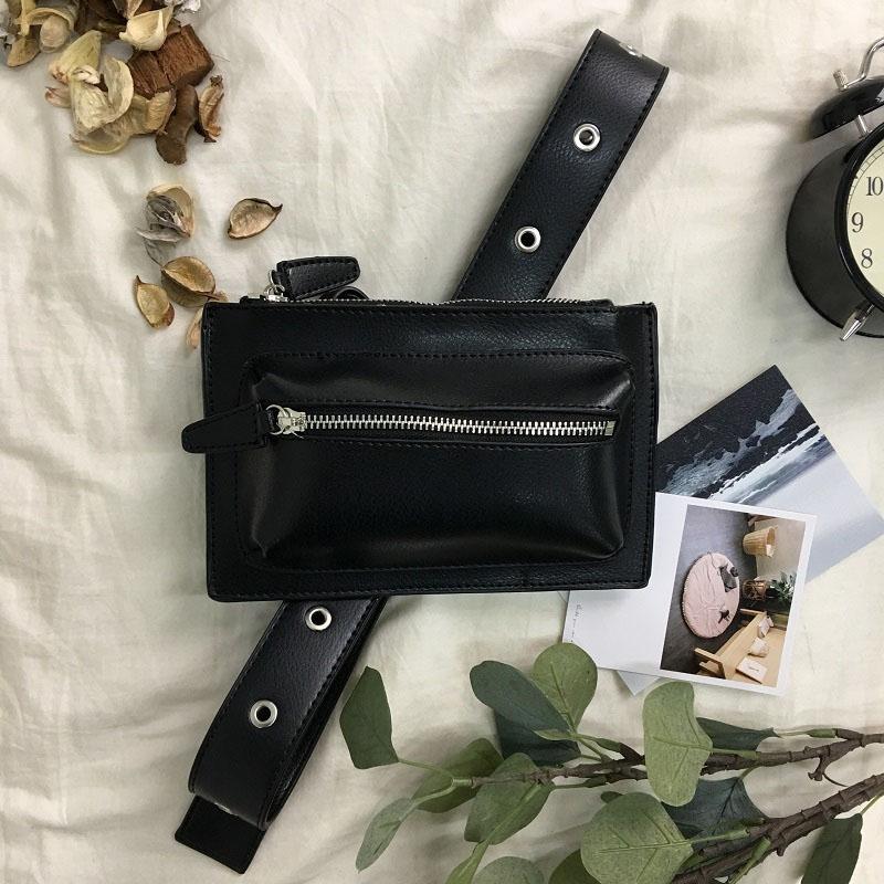 Bolsa de Cinturón Pochete Femenina en Cuero Negro