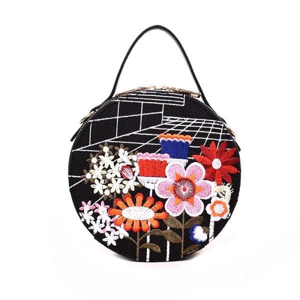 Bolsa Redonda com Bordado Flor cor preta